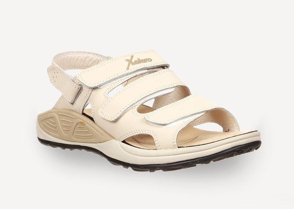 Frühling und Sommer lassen nicht nur das Gemüt leichter werden, sondern  auch die Schuhe. Bali ist die beliebte Damen Sandale von Xelero – optimal  geeignet ... 934a8efe47